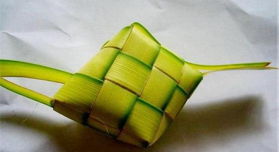 Delicious ketupat. Yums.