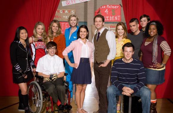 The Full Cast of Glee
